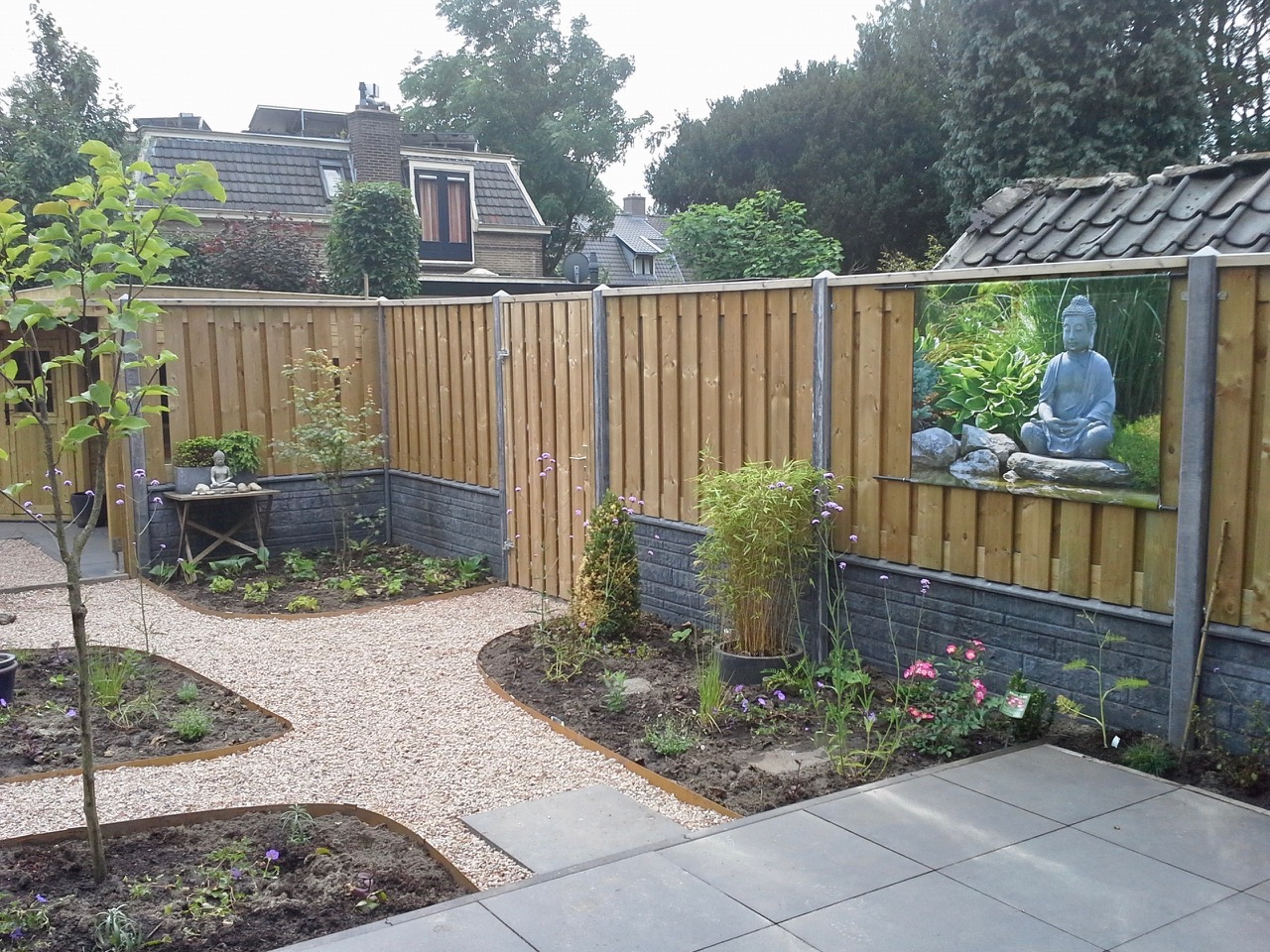 tuin ingericht en  net beplant