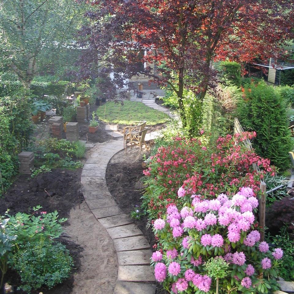 aanleg tuin met slingerpad
